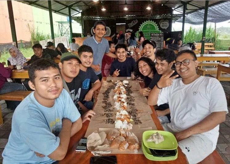 elfast speaking community - kampung inggris