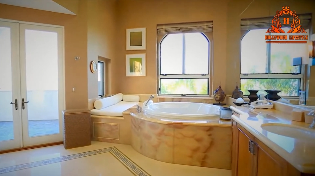 35 Interior Design Photos vs. Chris Bosh's Pacific Palisades Luxury Mansion Tour