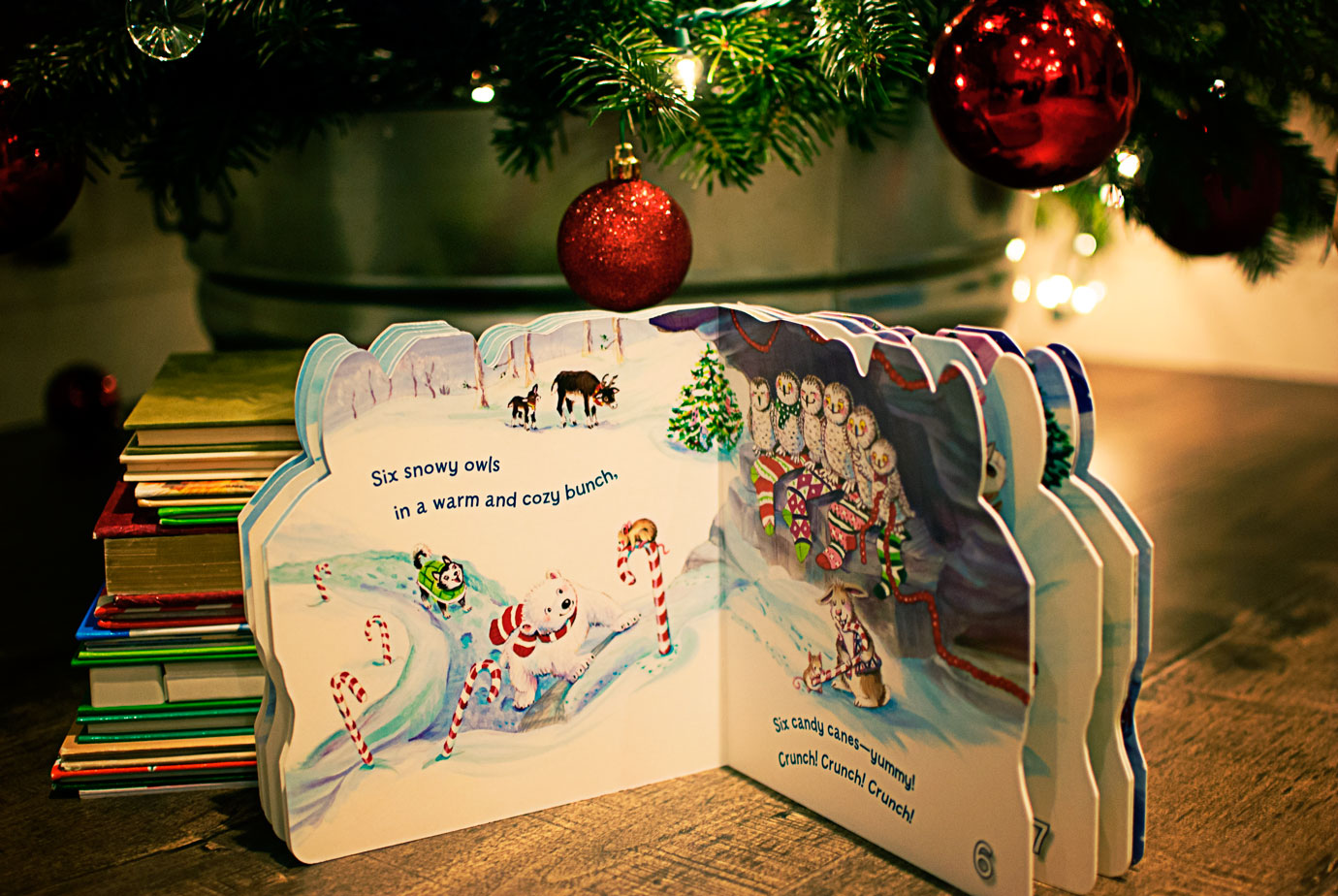 One Christmas Bear A Peek Inside The Book At The Adorable Illustrations #OneChristmasBear #ChristmasBook #ChristmasTraditions