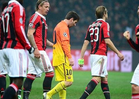 Milan có được 2 bàn thắng quý giá.