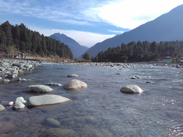 valley in pehalgam
