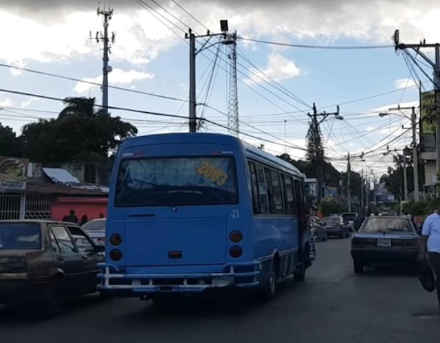 Choferes de Los Alcarrizos desmienten que hayan acortado la ruta y se quejan precio de los combustibles
