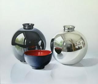 bodegones-hiperrealistas-jarrones-decorados-vasijas