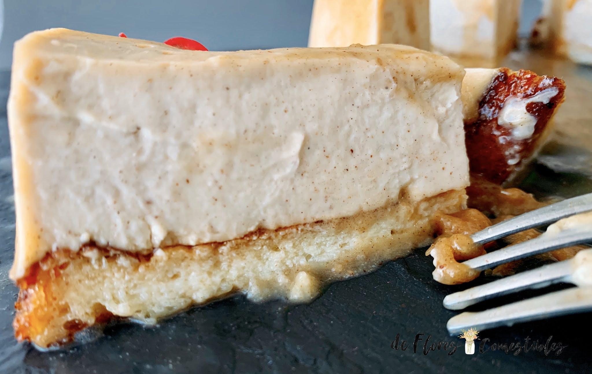 Tarta de queso y canela con torrijas de base
