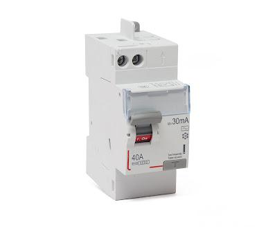 Disjoncteur différentiel Legrand type A pour tableau électrique