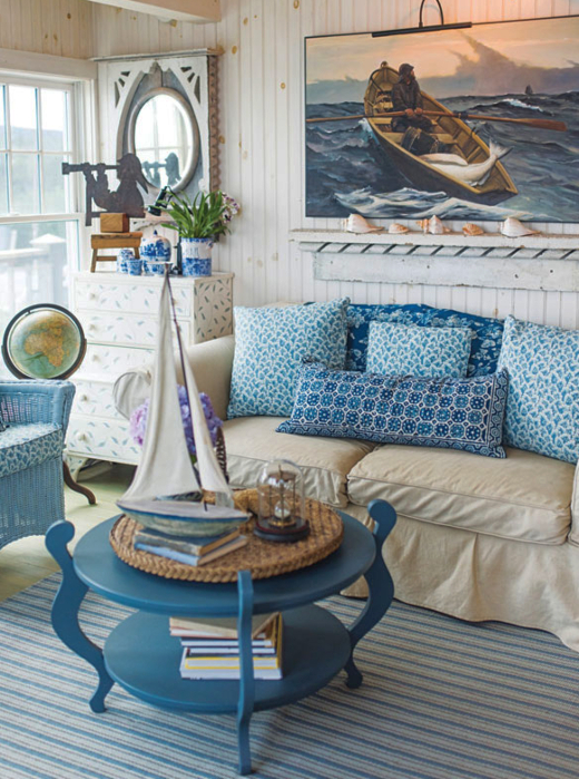 Rustic Cozy Maine Beach Cottage Living Room Decor Idea