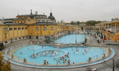 Bagni Termali Di Rudas Budapest : Budapest e le sue terme una guida per scegliere travel stories