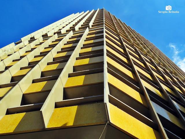 Perspectiva inferior da fachada do Edifício Joelma (fachada) - Bela Vista/Centro - São Paulo