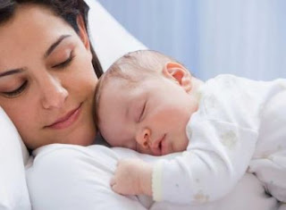 الرضاعة الطبيعية تقلل مخاطر إصابة الأم بسرطان الثدي