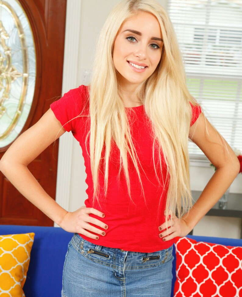Naomi Woods Bio, Real Name, Age, Height, Weight, Net Worth ...