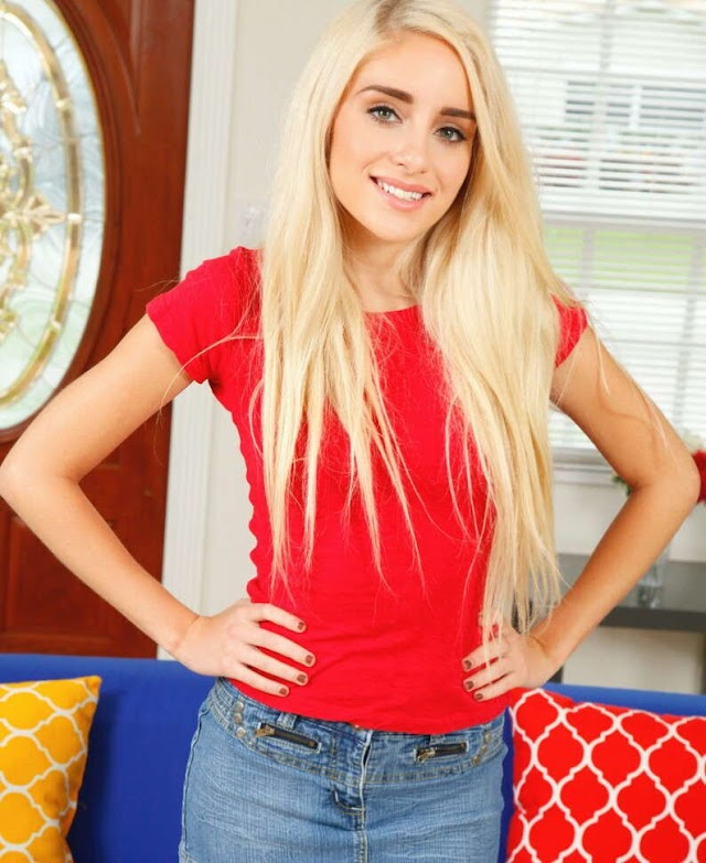 Naomi Woods Bio, Real Name, Age, Height, Weight, Net Worth, Measurements, Ethnicity, Husband, Family, Wiki