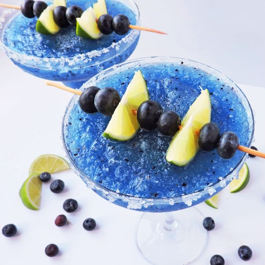 Fresh Frozen Blueberry Lime Margarita #drinks #cocktails