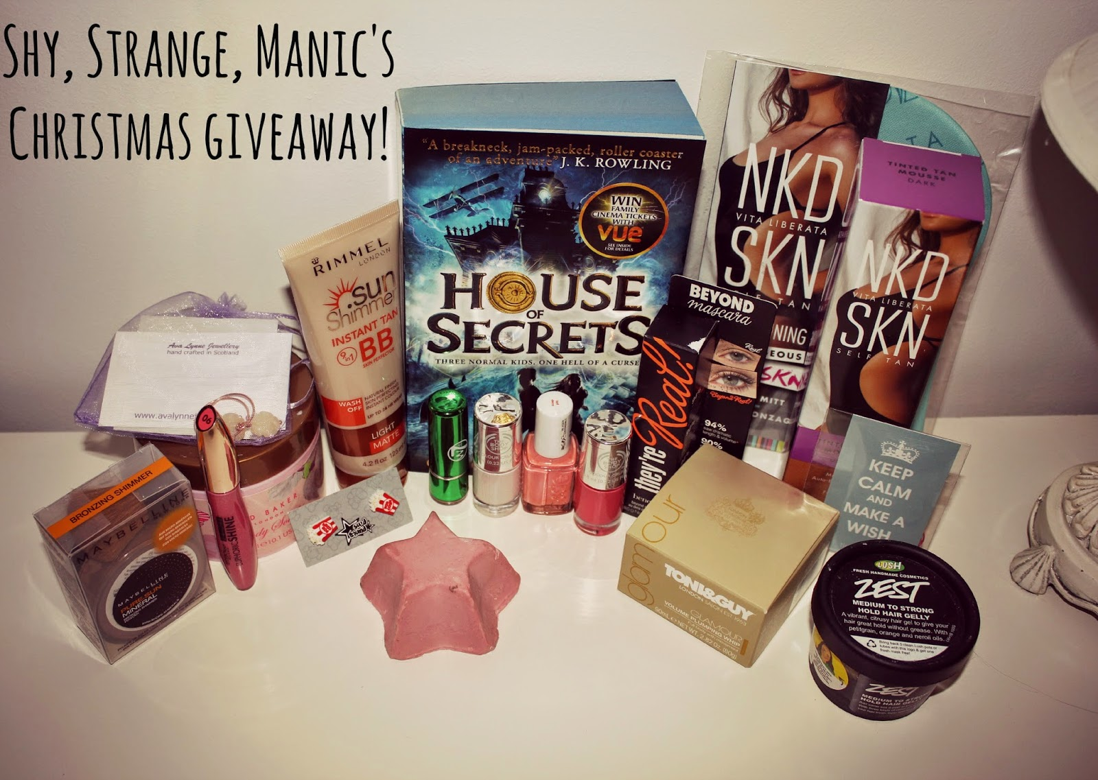 Christmas giveaway!  Over £100 worth of glamorous goodies including Lush, Benefit and loads more!