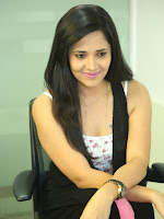 Anasuya latest sizzling photo shoot-cover-photo