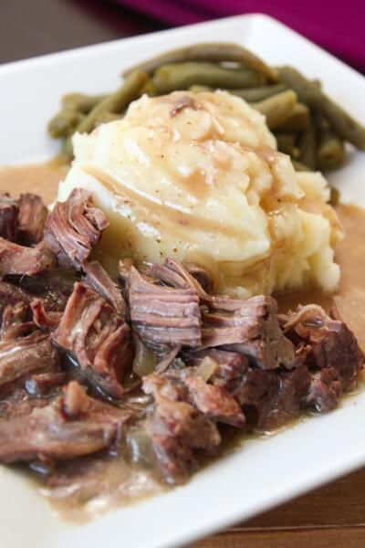 Slow Cooker Sirloin Steak and Gravy #recipes #dinnerrecipes #quickdinnerrecipes #food #foodporn #healthy #yummy #instafood #foodie #delicious #dinner #breakfast #dessert #lunch #vegan #cake #eatclean #homemade #diet #healthyfood #cleaneating #foodstagram