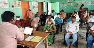 वैक्सीनेशन के प्रति लोगों को करें जागरूकः बेसिक शिक्षा अधिकारी   #NayaSaberaNetwork