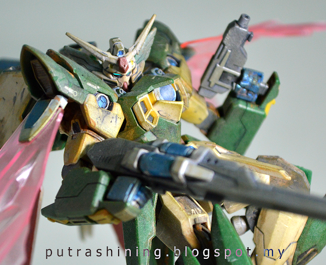 HGBF 1/144 GUNDAM FENICE RINASCITA Custom Weather by Putra Shining