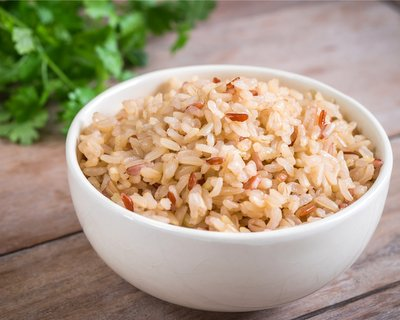 How to Cook Brown Rice on the Stove ♥ AVeggieVenture.com, moist and nutty and perfect every time.
