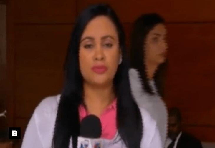 Video: Reportera nerviosa 'mata' al presidente Danilo Medina