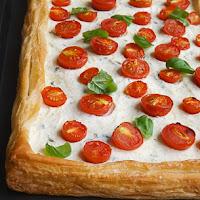 http://www.bakingsecrets.lt/2015/12/greita-pomidoru-ir-baziliku-tarta.html