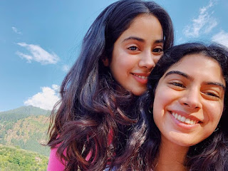 Jhanvi Kapoor and Khushi Kapoor Photos