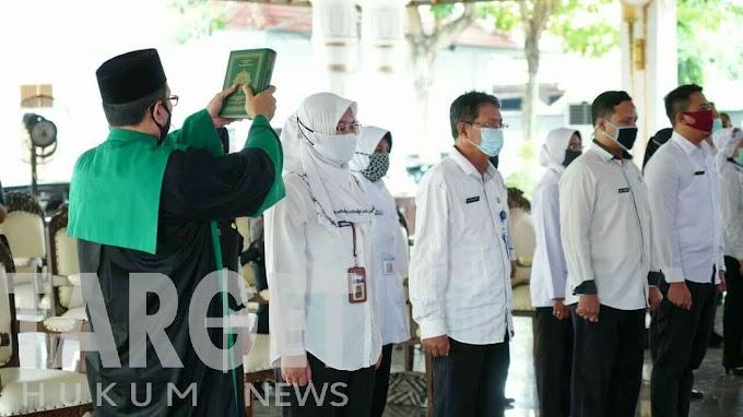 Lantik Pejabat Struktural, Bupati Haryanto Harapkan Keluhan Masyarakat Cepat Direspon