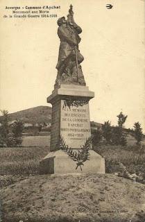 CPA monuments aux Morts du Puy-de-Dôme, Apchat