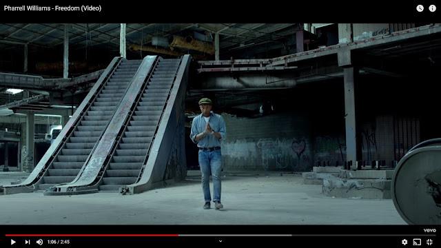 Minuto 01:06, 01:19, 01:51 y 02:29- 'Centros comerciales EEUU en ruinas' de Seph Lawless