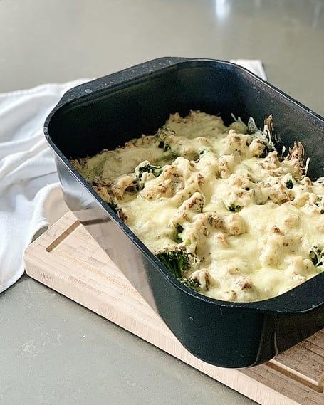Mit ordentlich Käse überbackenes Soulfood: Gnocchi-Brokkoli-Auflauf mit Hack