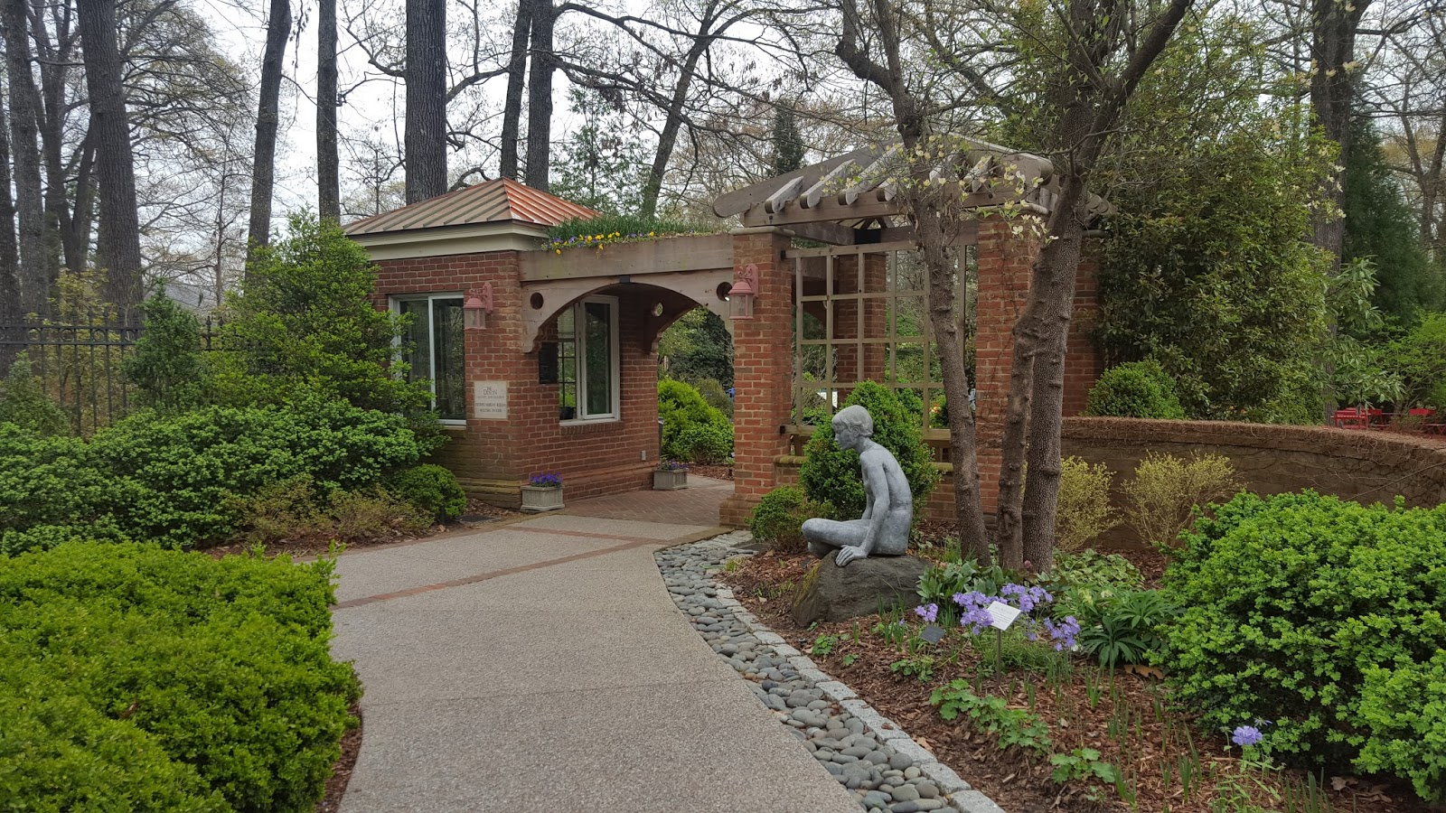 Divers and Sundry: Tulips at the Dixon