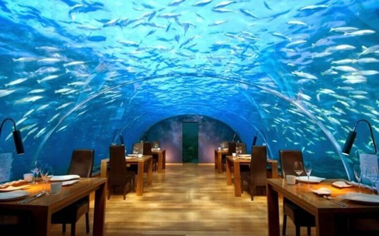 İsrail'de Deniz Altındaki Bar/Restoran