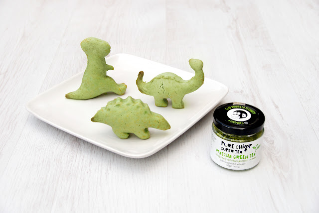 http://www.ablackbirdsepiphany.co.uk/2017/04/matchasaurus-cakes-with-purechimp.html