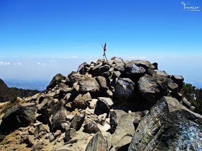 puncak gunung arjuno