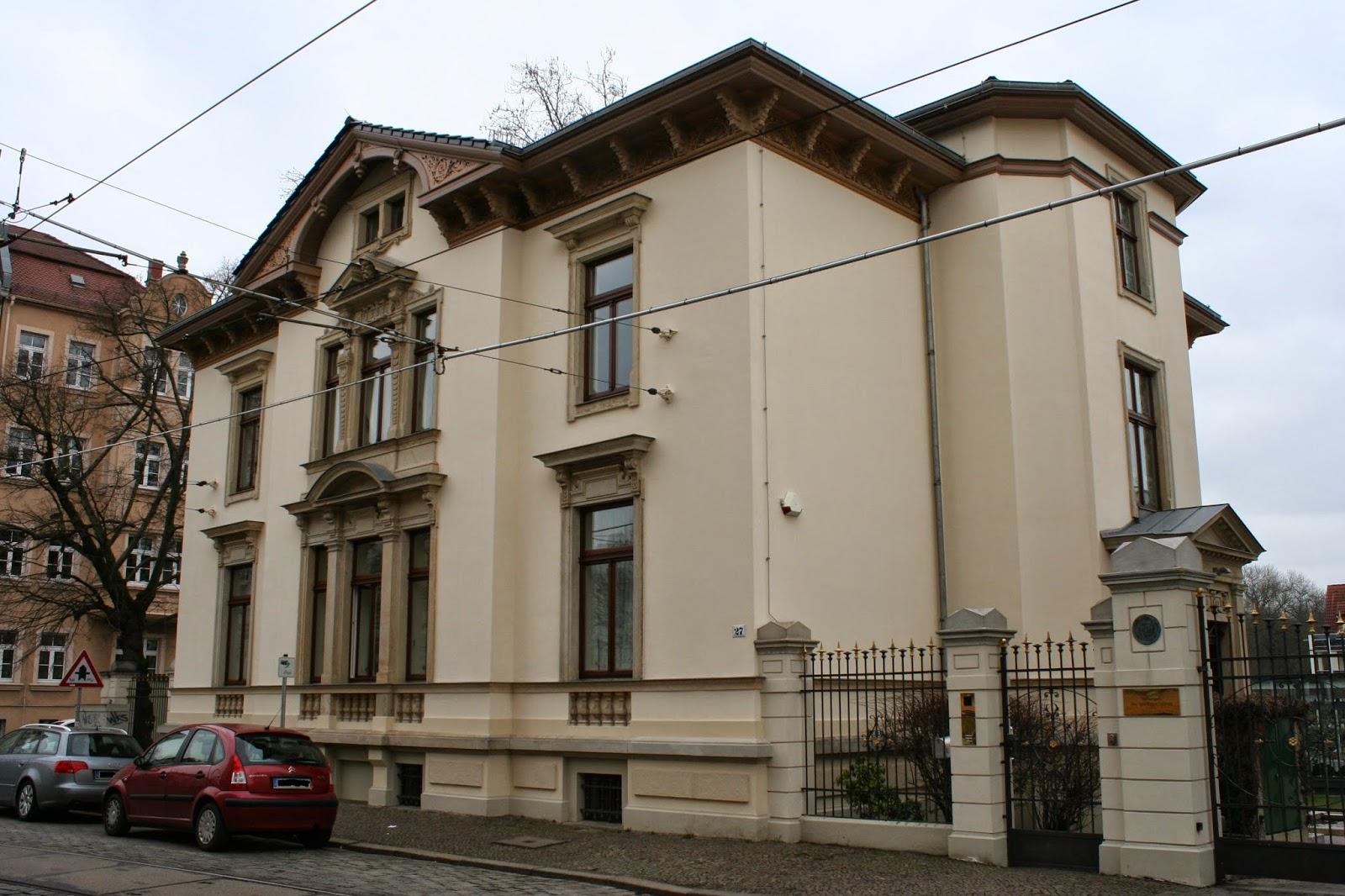 Aktuell ist die Villa der Sitz der Medienstiftung der Sparkasse Leipzig