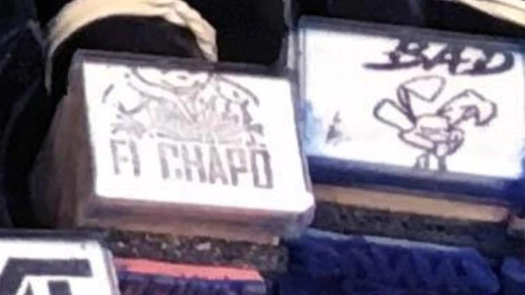 """""""Su bigote característico y una gorra de béisbol"""", Decomisaron millonario cargamento de droga con la marca de """"El Chapo"""" Guzmán"""