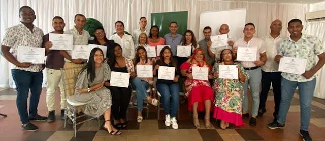 24 comunicadores de La Guajira certificados en Periodismo Especializado
