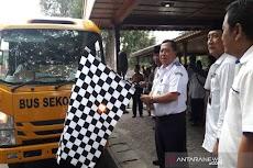Kemenhub Bagikan 200 Bus Sekolah Untuk Pondok Pesantren di Indonesia