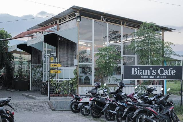 Bian's Cafe Dau Malang - Review Daftar Menu, Fasilitas Lengkap & Lokasi