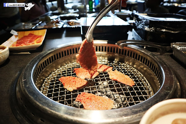 IMG 8774 - 【熱血採訪】肉多多 - 超市燒肉,三五好友一起來採購,想吃甚麼自己拿,現拿現烤真歡樂! 產地直送活體海鮮現撈現烤、日本宮崎5A和牛現點現切!