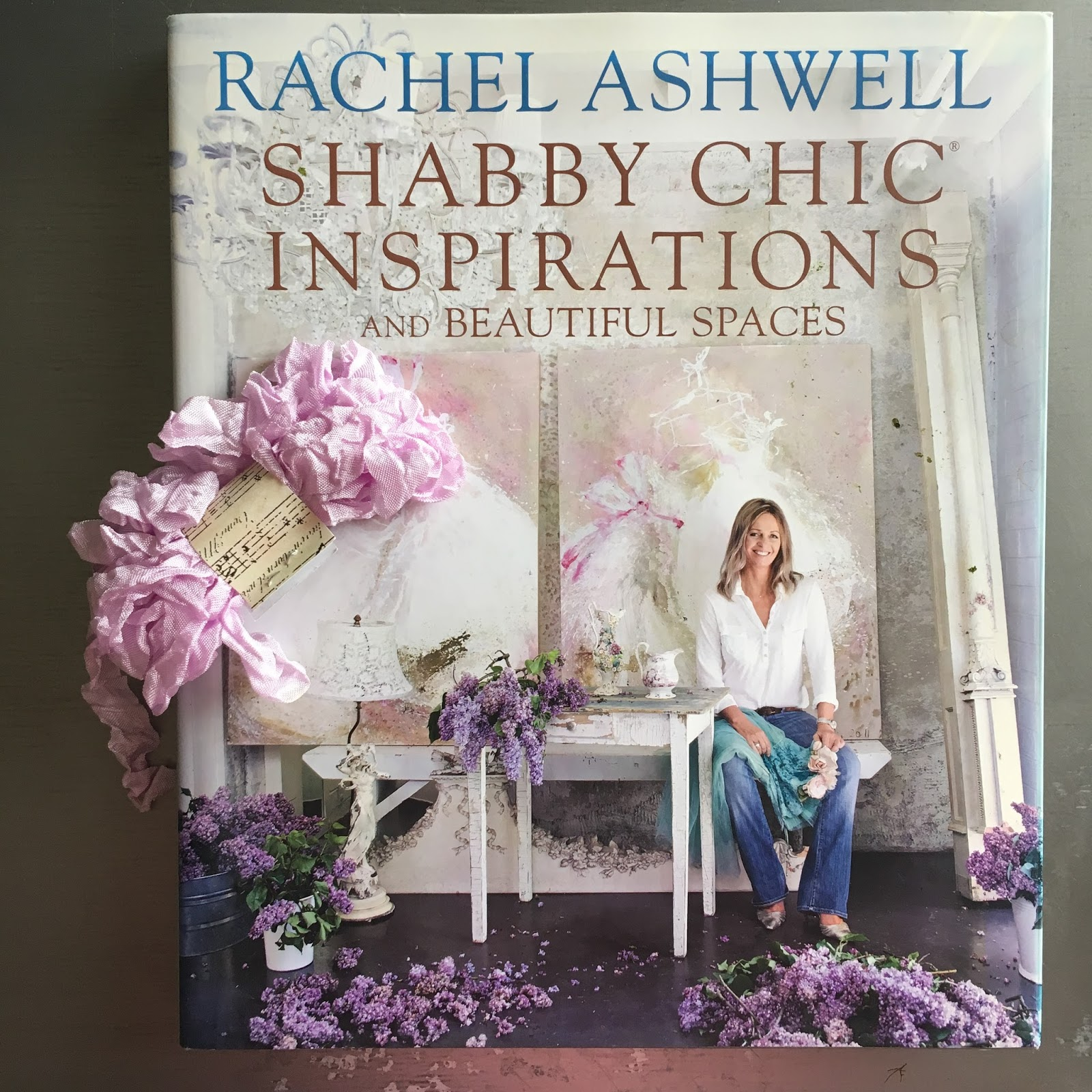The Sketchy Reader Rachel Ashwells Shabby Chic Books Round Up Vintage Story Flower Rose 1 Inspirations And Beautiful Spaces Was Published In 2011 Of All This One Has Most Diverse Selection Homes Rooms