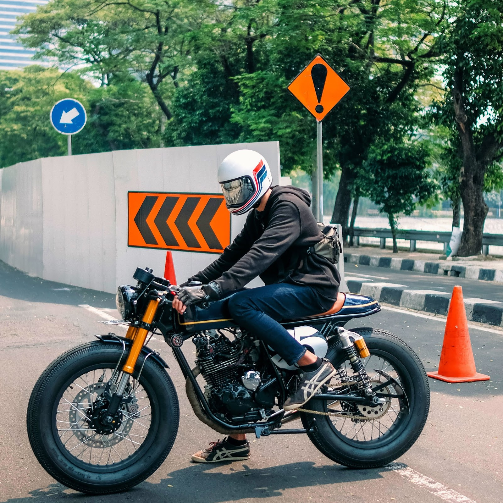 Identik, Simple dan Elegan - Yamaha Scorpio 225 Cafe Racer