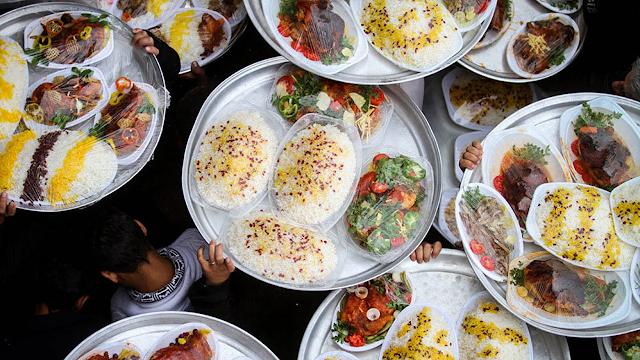 Nazri - Distribuição de comida em Ashura  no Irã