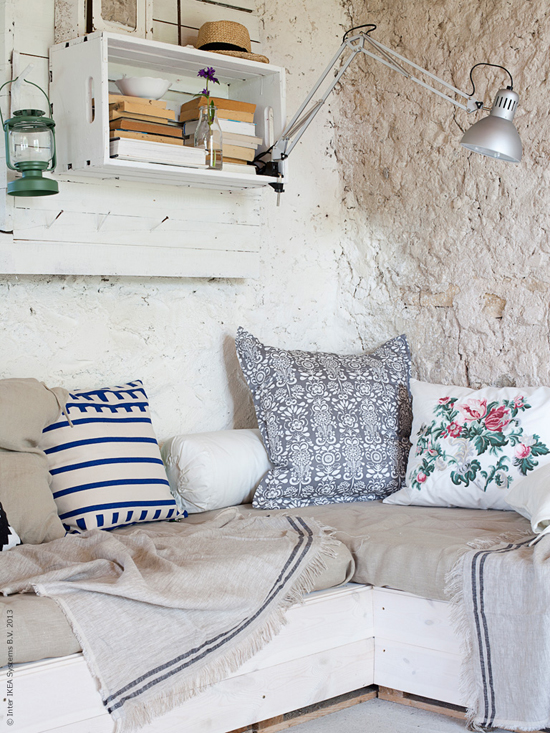 Inspiring interiors with a fresh mediterranean country vibe. Amelia Widell via Livet Hemma