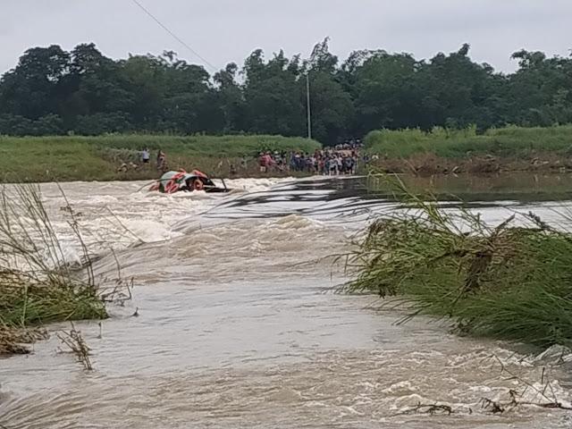 Quảng Ngãi: Lật đò qua sông Trà Khúc, một nữ sinh phải cấp cứu