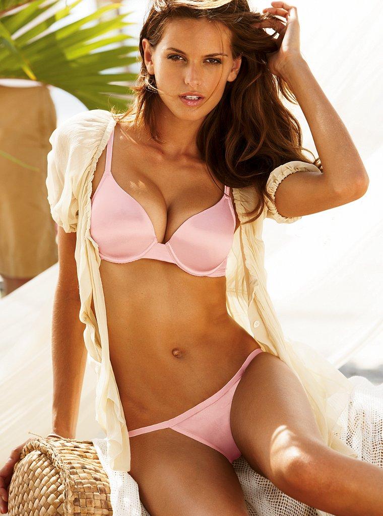Izabel Goulart ( Victoria's Secret Lingerie 2008/09