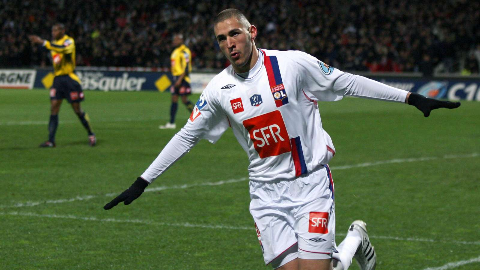 Lyon boss explains why Benzema did not move to Manchester United