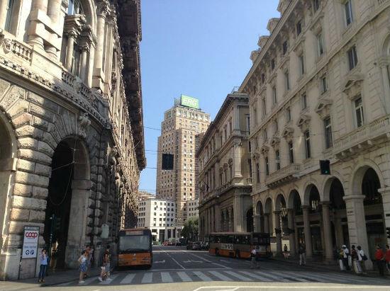 Satu ruas jalan utama di Genova