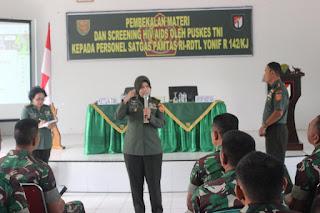 Tim Kesehatan TNI Bekali Satgas Pamtas Yonif Raider 142/KJ
