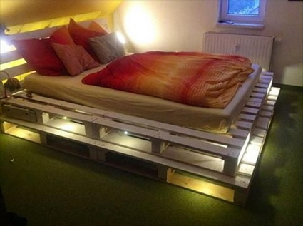 More ideas with recycled pallets 10