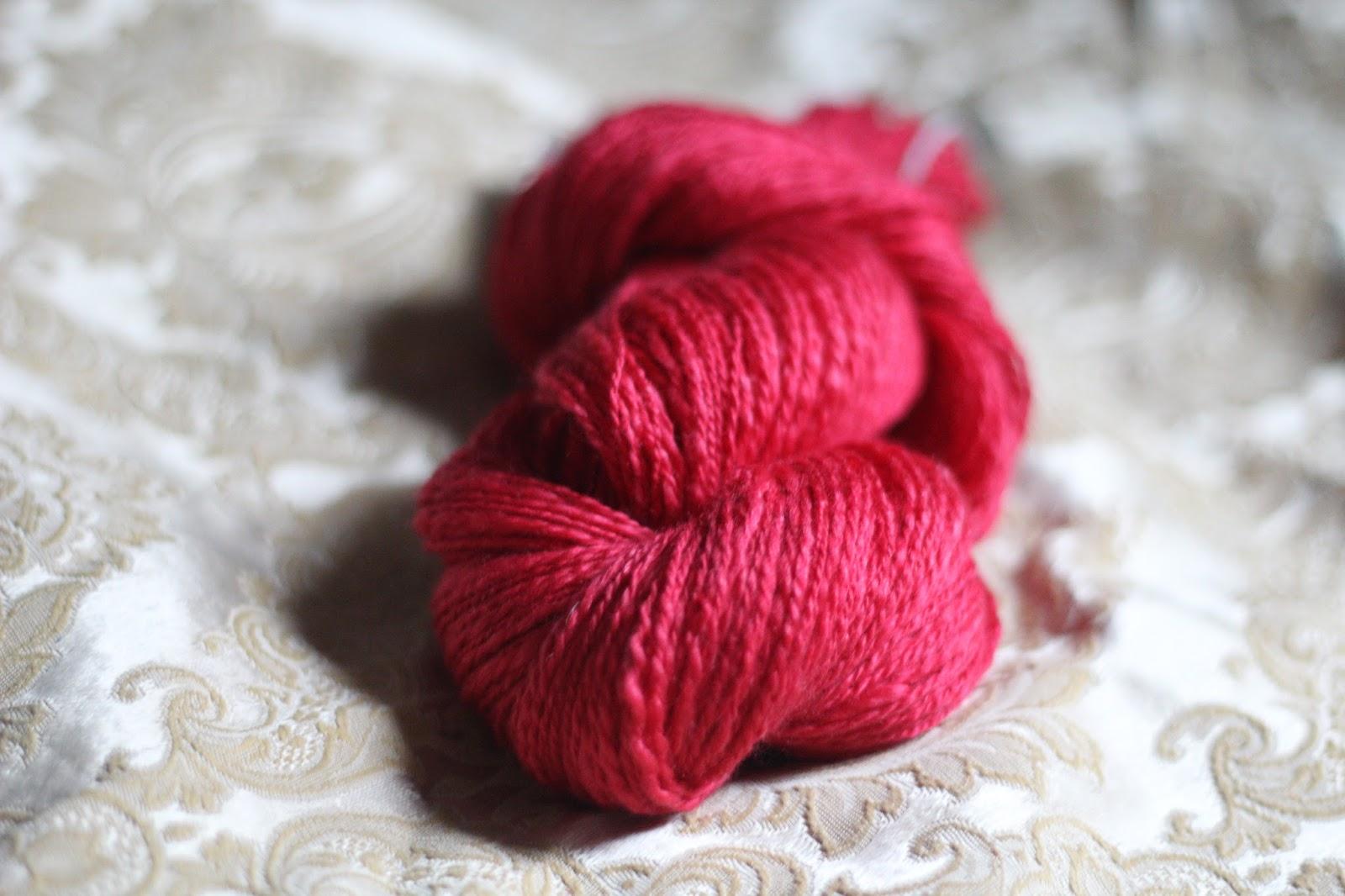 c2ceede8debb Det första är också fantastiskt mjukt och lent, jag köpte en blandning av  ull från World of Wool och minns inte längre exakt vad det var.